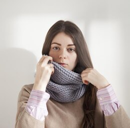 Simple Snood - Easy knit Cowl Scarf + Video
