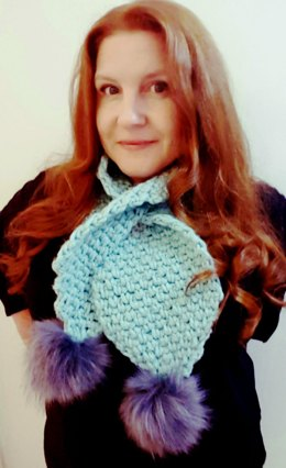 Winterlude Keyhole Scarflet: Thick & Cosy