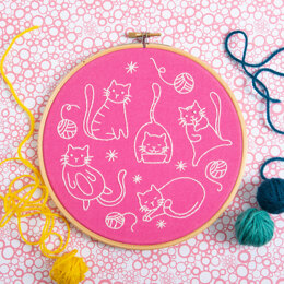 Hawthorn Handmade Crafty Cats Embroidery Kit - 7in