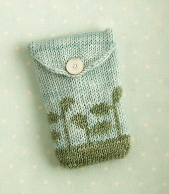Knitted gadget case / seed pouch