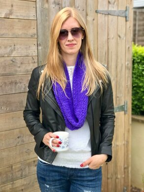 Madeleina Lace Infinity Scarf, Cowl in Patons Smoothie DK