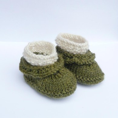Simple Seamless Baby Ruffle Boots