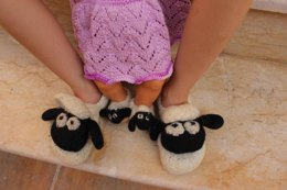 Shaun's Slippers - Seamless Felted Sheep Shoes
