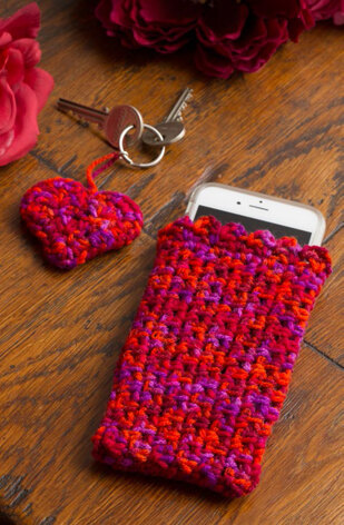 Easy Cell Phone Cosy & Heart - Shaped Key Fob in Red Heart Detroit Color - LW4605EN - Downloadable PDF