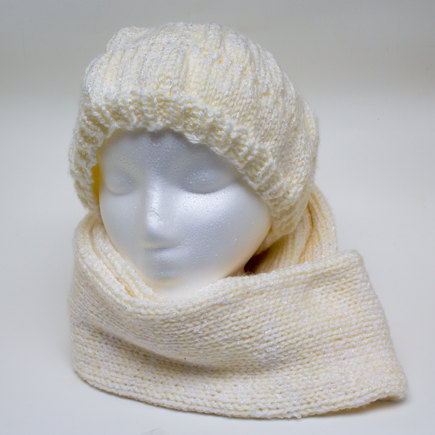 Knitting Pattern For Ladies Hat And Scarf : Ladies knitted hat and scarf knitting project by Amanda L LoveKnitting