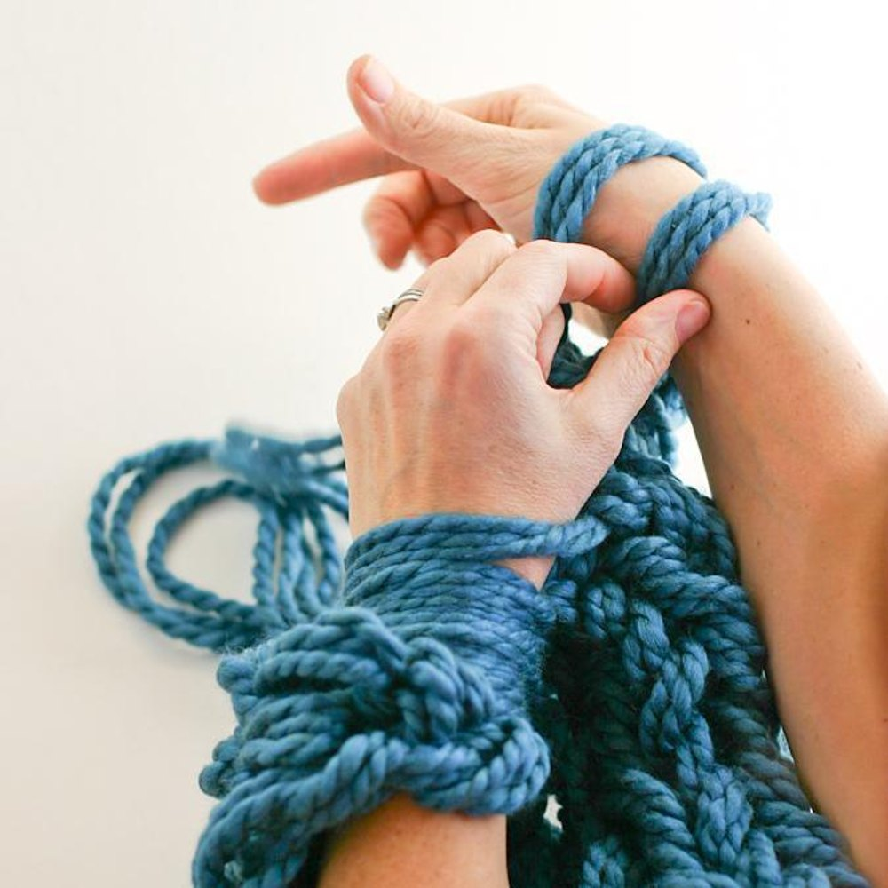 Arm Knitting How To + Arm Knit Cowl