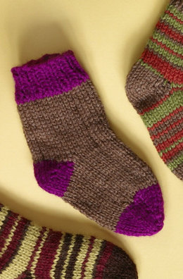 Knit Child's Two Color Socks in Lion Brand Wool-Ease - 70298A