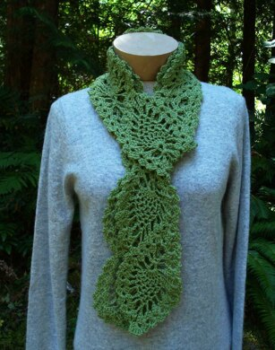Cascading Pineapples Scarf - PA-301 (crochet)