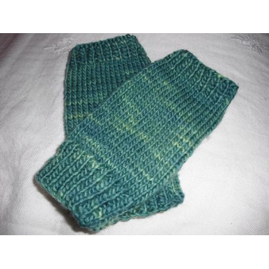 Easy peasy fingerless mitts Knitting pattern by Agrarian Artisan ...