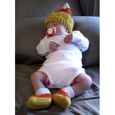 Candy Corn Hat and Booties in Lion Brand Vanna's Choice - L32213