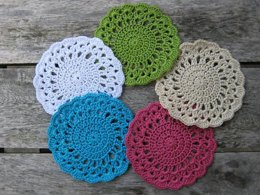 Dainty Vintage-Style Coaster