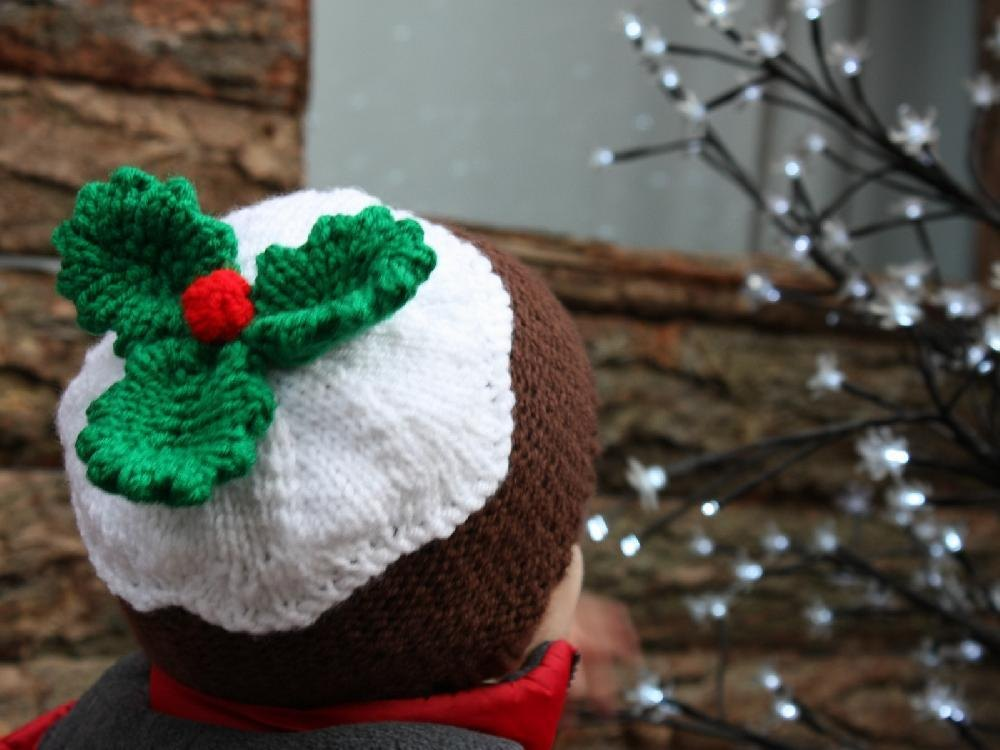 Knitting Pattern For Christmas Pudding Jumper : Chunky Christmas pudding hat Knitting pattern by Vikki Bird Knitting Patter...
