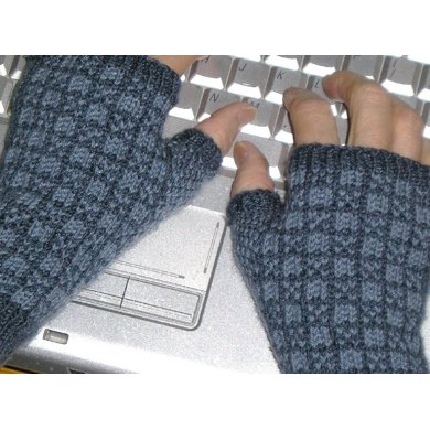 Checkmate Fingerless Mitts
