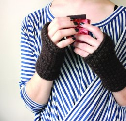 Chocolati Mitts in Zealana Air Chunky