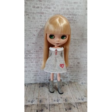 """Lots of Love dress for 12"""" Blythe"""