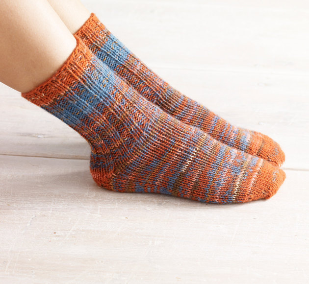 Double Knit Sock Pattern : Womens Double-Strand Toe Up Socks in Lion Brand Sock Ease - L0703 Knit...