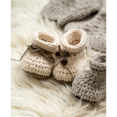 Baby Shoes Ivelle in Hoooked Somen - Downloadable PDF