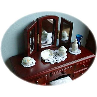 1:12th scale Cheval set and dressing table runner