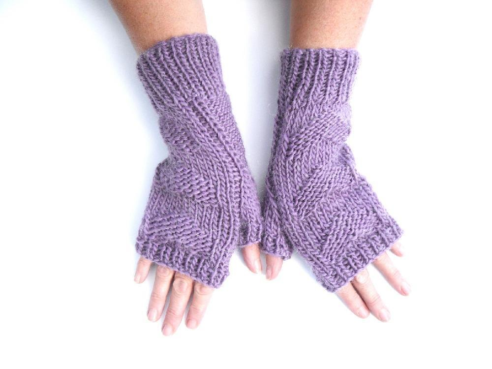 3 hearts fingerless gloves Knitting pattern by The ...