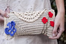 Garden Party Clutch in Tahki Yarns Cotton Classic Lite