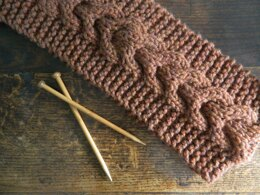 Super Chunky Horseshoe Cable Scarf