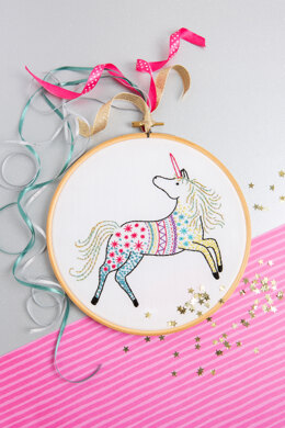 Hawthorn Handmade Unicorn Contemporary Embroidery Kit - 15 x 15cm / 5.9 x 5.9in