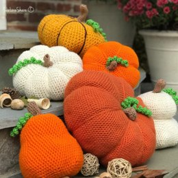Assorted Crochet Pumpkins with Curly Vines