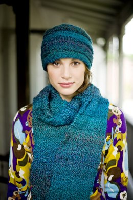 Hat And Scarf in Lion Brand Homespun - 70379AD