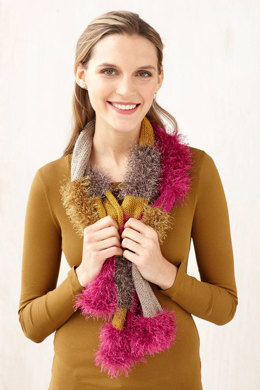 Glamorous Furry Scarf in Lion Brand Vanna's Glamour and Fun Fur - L0696B