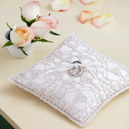 Heart's Desire Ring Bearer Pillow in Aunt Lydia's Classic Crochet Thread Large Size 10 - LC2995