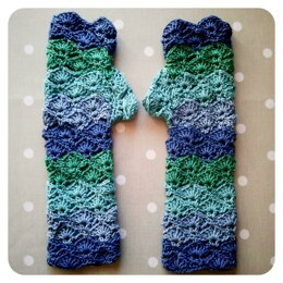 Gloves :: Wave Stitch Wristwarmer Mittens