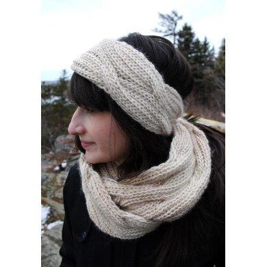 Reversible Cable Infinity Scarf
