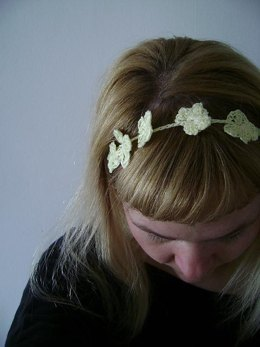Crochet Daisy Chain Headband