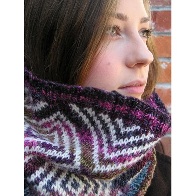 Stella Cowl: Form and Colour