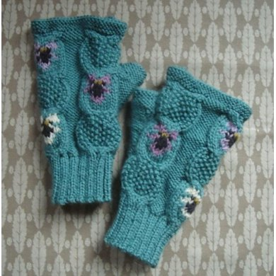 Cable and violets fingerless mitts/gloves