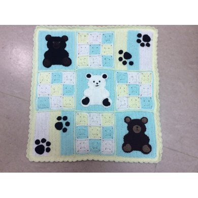 PAWSitively unBEARably cute baby blanket pattern