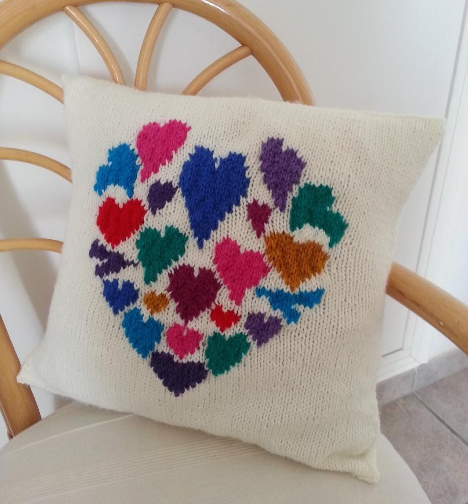 Heart of hearts cushion knitting pattern by iknitdesigns heart of hearts cushion zoom bankloansurffo Gallery