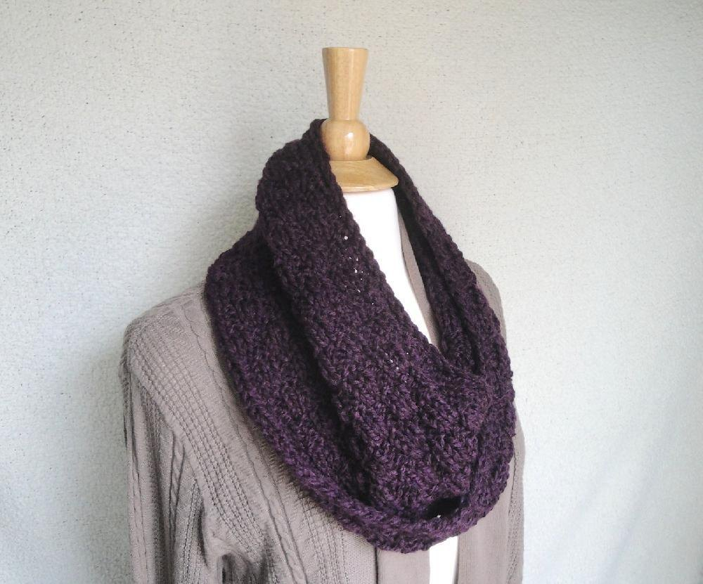 Chunky Mobius Scarf Knitting pattern by Emily
