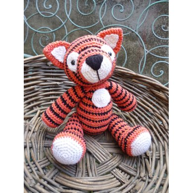 Tiger Tom Amigurumi Crochet Pattern.
