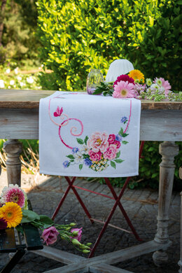 Vervaco Classic Flower Bouquet Aida Table Runner Cross Stitch Kit