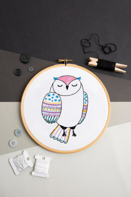 Hawthorn Handmade Owl Contemporary Embroidery Kit - 9.5 x 15cm / 3.74 x 5.9in