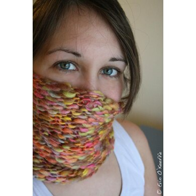 Taffy Twist Cowl