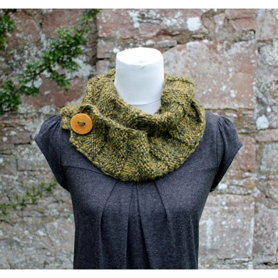 King Cole Knitting Patterns To Download : King Cole Chunky Tweed button scarf Knitting pattern by Laura Dovile