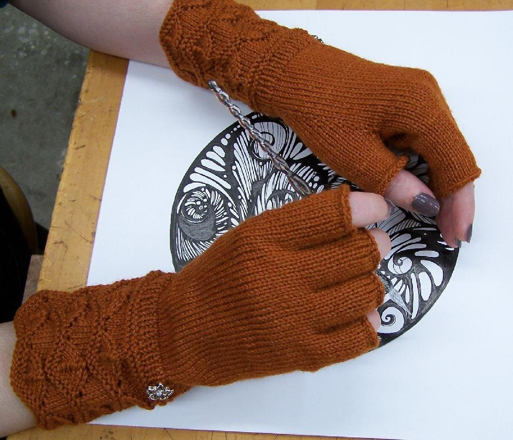 Masala Fingerless Gloves Knitting pattern by Moira Engel ...