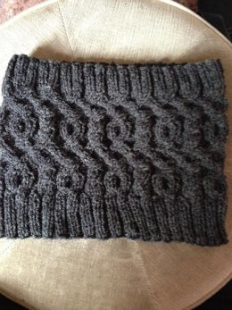 Mr Mog's Cabled Cowl