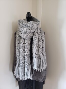 Chunky 3 Cable scarf