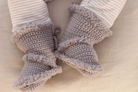 Booties in Schachenayr Baby Smiles Bravo Baby 185 - S9081 - Downloadable PDF