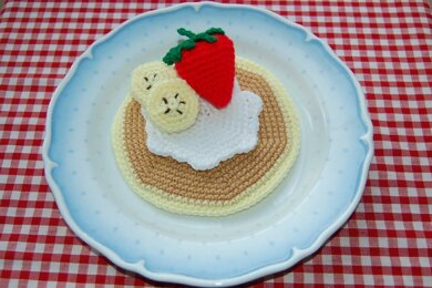 Crochet Pattern for Pancake with Strawberry, Bananas & Cream - Crocheted Play Snack