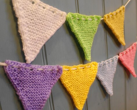 Easy bunting flags
