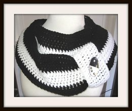 Yin and Yang Infinity Scarf